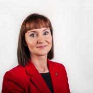 Kristina spyr um politiskir flokkar og valevni skulu upplýsa fíggjarligan stuðul