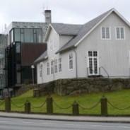 Ikki eggja fólki at taka lán til virðisbrøv